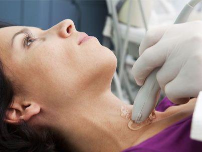 Симптомы и причины проблем со щитовидкой у женщин: как лечить