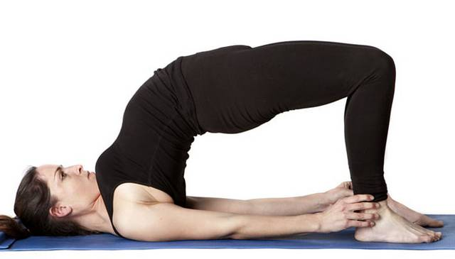 Йога при гипертиреозе: Сету Бандхасана - Поза моста