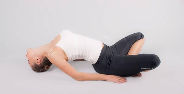 Йога при гипотиреозе: Матсиасана - Поза рыбы
