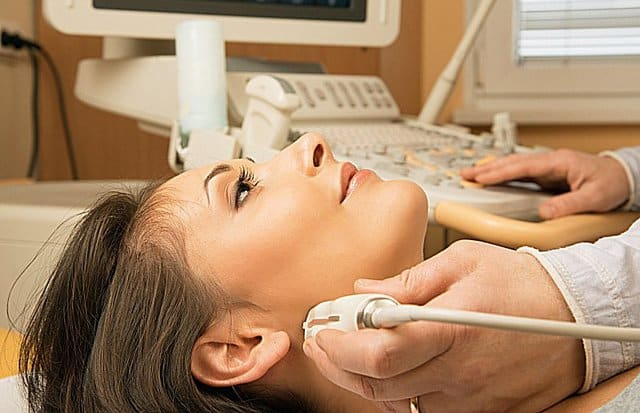 Киста щитовидной железы у женщин