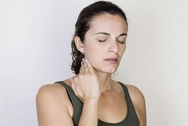 Проявление симптомов гипотиреоза у женщин